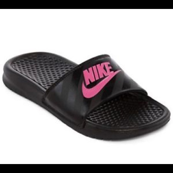 bb10d398f1fbe8 🍀Price Negotiable🍀 Nike women s slide sandals. M 5aade294caab4458a6921a6c